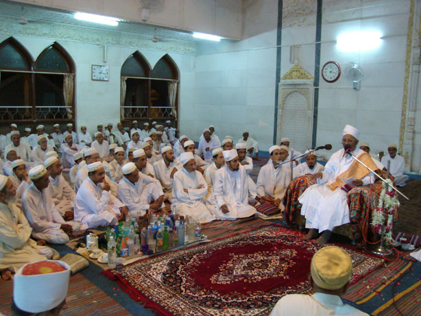 "Mazoon saheb (dm) recited the ash'aar of ""Dil"" composed by himself in the majlis held in Laylato Eid il-Fitar"